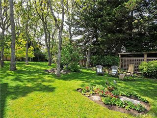 Photo 19: 207 1400 Newport Ave in VICTORIA: OB South Oak Bay Condo Apartment for sale (Oak Bay)  : MLS®# 695856