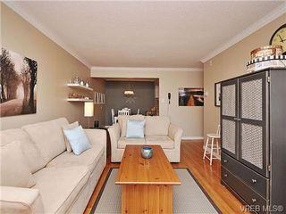Photo 4: 207 1400 Newport Ave in VICTORIA: OB South Oak Bay Condo Apartment for sale (Oak Bay)  : MLS®# 695856