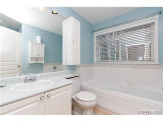 Photo 9: 4 14 Erskine Lane in VICTORIA: VR Hospital Townhouse for sale (View Royal)  : MLS®# 349301