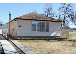 Photo 1: 975 Machray Avenue in WINNIPEG: North End Residential for sale (North West Winnipeg)  : MLS®# 1509617