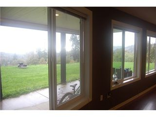Photo 14: 9501 DAWSON Drive in Mission: Mission BC Home for sale ()  : MLS®# F1424209