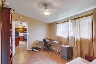 Photo 12: LEMON GROVE House for sale : 3 bedrooms : 2613 Nida