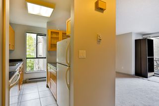 """Photo 4: 301 9126 CAPELLA Drive in Burnaby: Simon Fraser Hills Townhouse for sale in """"MOUNTAINWOOD"""" (Burnaby North)  : MLS®# R2055145"""