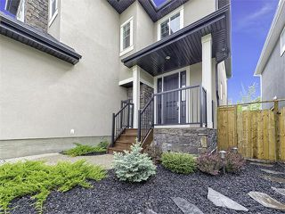 Photo 2: 36 ROCKFORD Terrace NW in Calgary: Rocky Ridge House for sale : MLS®# C4066292
