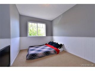 Photo 12: 693 Sunshine Terr in VICTORIA: La Thetis Heights House for sale (Langford)  : MLS®# 735225