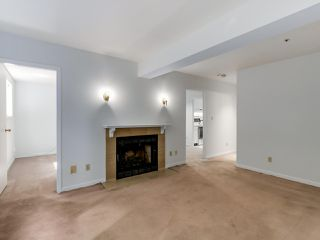 Photo 2: 1942 W 15TH Avenue in Vancouver: Kitsilano Townhouse for sale (Vancouver West)  : MLS®# R2088741