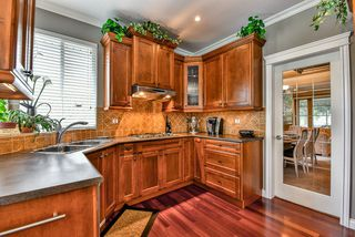 """Photo 7: 15469 37A Avenue in Surrey: Morgan Creek House for sale in """"ROSEMARY HEIGHTS"""" (South Surrey White Rock)  : MLS®# R2090418"""