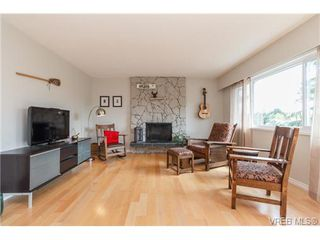 Photo 6: 4324 Ramsay Pl in VICTORIA: SE Mt Doug Single Family Detached for sale (Saanich East)  : MLS®# 737386