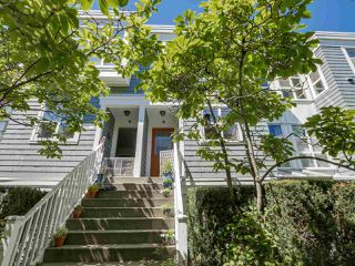"""Photo 1: 205 669 W 7TH Avenue in Vancouver: Fairview VW Townhouse for sale in """"THE IVY'S"""" (Vancouver West)  : MLS®# R2096318"""