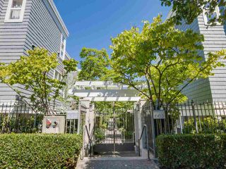 """Photo 2: 205 669 W 7TH Avenue in Vancouver: Fairview VW Townhouse for sale in """"THE IVY'S"""" (Vancouver West)  : MLS®# R2096318"""