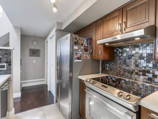 """Photo 3: 205 669 W 7TH Avenue in Vancouver: Fairview VW Townhouse for sale in """"THE IVY'S"""" (Vancouver West)  : MLS®# R2096318"""