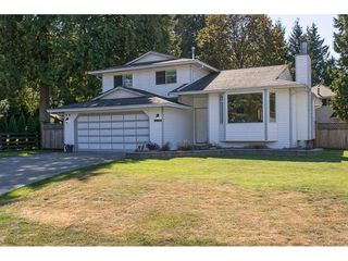 Photo 2: 20618 94B Avenue in Langley: Walnut Grove House for sale : MLS®# R2104373