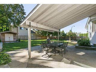 Photo 3: 20618 94B Avenue in Langley: Walnut Grove House for sale : MLS®# R2104373