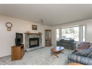 Photo 6: 20618 94B Avenue in Langley: Walnut Grove House for sale : MLS®# R2104373