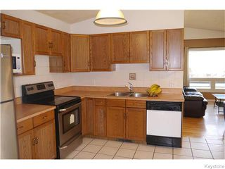 Photo 6: 240 Le Maire Street in Winnipeg: Grandmont Park Residential for sale (1Q)  : MLS®# 1626240