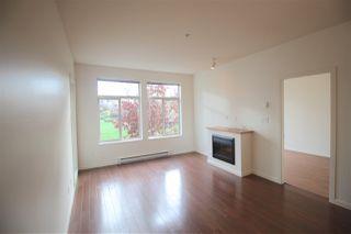 Photo 4: 212 15322 101 Avenue in Surrey: Guildford Condo for sale (North Surrey)  : MLS®# R2121213