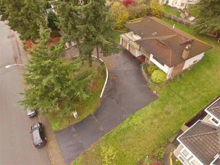 "Photo 3: 16495 78 Avenue in Surrey: Fleetwood Tynehead House for sale in ""FLEETWOOD"" : MLS®# R2122962"