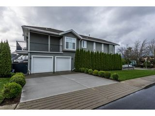 Photo 2: 4790 PENDER Street in Burnaby: Capitol Hill BN House for sale (Burnaby North)  : MLS®# R2125071