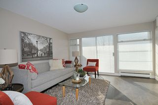 "Photo 3: 303 12 K DE K Court in New Westminster: Quay Condo for sale in ""DOCKSIDE"" : MLS®# R2135403"