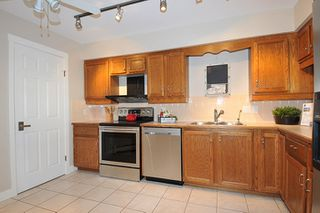 "Photo 11: 303 12 K DE K Court in New Westminster: Quay Condo for sale in ""DOCKSIDE"" : MLS®# R2135403"