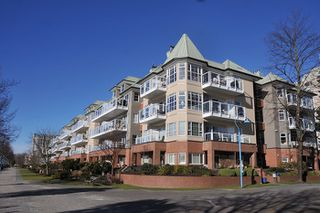"Photo 1: 303 12 K DE K Court in New Westminster: Quay Condo for sale in ""DOCKSIDE"" : MLS®# R2135403"
