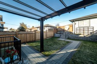 Photo 14: 320 E 11TH Street in North Vancouver: Central Lonsdale House 1/2 Duplex for sale : MLS®# R2136752