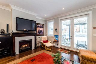 Photo 6: 320 E 11TH Street in North Vancouver: Central Lonsdale House 1/2 Duplex for sale : MLS®# R2136752