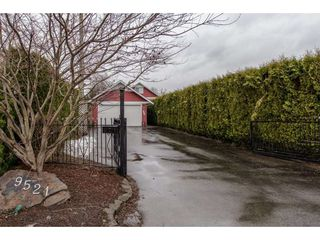 Photo 2: 9521 BROADWAY Street in Chilliwack: Chilliwack E Young-Yale House for sale : MLS®# R2142432