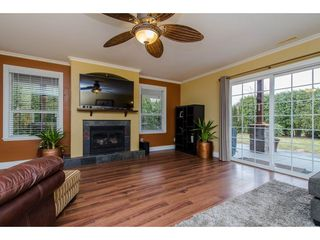 Photo 5: 9521 BROADWAY Street in Chilliwack: Chilliwack E Young-Yale House for sale : MLS®# R2142432