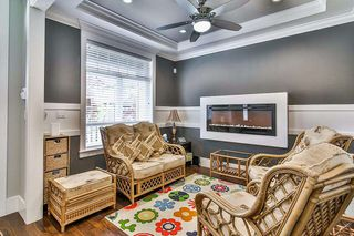 """Photo 8: 20976 80A Avenue in Langley: Willoughby Heights House for sale in """"YORKSON"""" : MLS®# R2163323"""
