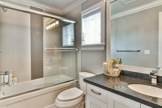 """Photo 10: 20976 80A Avenue in Langley: Willoughby Heights House for sale in """"YORKSON"""" : MLS®# R2163323"""