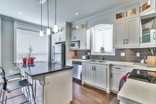 """Photo 5: 20976 80A Avenue in Langley: Willoughby Heights House for sale in """"YORKSON"""" : MLS®# R2163323"""