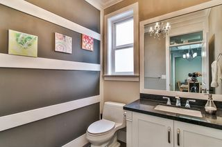 """Photo 7: 20976 80A Avenue in Langley: Willoughby Heights House for sale in """"YORKSON"""" : MLS®# R2163323"""