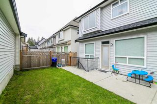 """Photo 19: 20976 80A Avenue in Langley: Willoughby Heights House for sale in """"YORKSON"""" : MLS®# R2163323"""