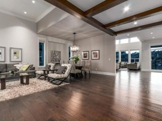 Photo 2: 2099 RIESLING Drive in Abbotsford: Aberdeen House for sale : MLS®# R2180981