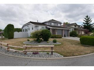 "Photo 2: 3696 NICOLA Street in Abbotsford: Central Abbotsford House for sale in ""Parkside Estates"" : MLS®# R2190095"