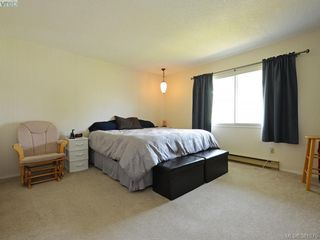 Photo 13: 402 1490 Garnet Road in VICTORIA: SE Cedar Hill Condo Apartment for sale (Saanich East)  : MLS®# 381875