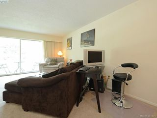 Photo 6: 402 1490 Garnet Rd in VICTORIA: SE Cedar Hill Condo for sale (Saanich East)  : MLS®# 767199