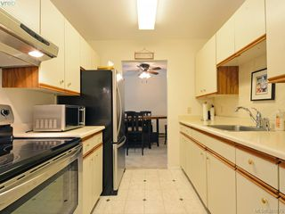 Photo 11: 402 1490 Garnet Road in VICTORIA: SE Cedar Hill Condo Apartment for sale (Saanich East)  : MLS®# 381875