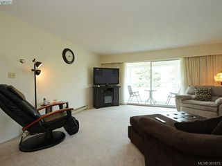 Photo 2: 402 1490 Garnet Rd in VICTORIA: SE Cedar Hill Condo for sale (Saanich East)  : MLS®# 767199