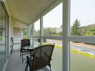 Photo 7: 402 1490 Garnet Road in VICTORIA: SE Cedar Hill Condo Apartment for sale (Saanich East)  : MLS®# 381875
