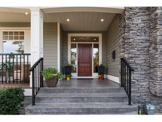 Photo 2: 16038 10A AVENUE in South Surrey White Rock: Home for sale : MLS®# R2055802