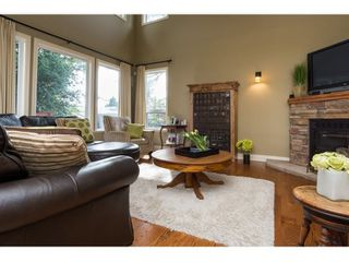 Photo 7: 16038 10A AVENUE in South Surrey White Rock: Home for sale : MLS®# R2055802