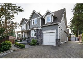 Photo 3: 16038 10A AVENUE in South Surrey White Rock: Home for sale : MLS®# R2055802