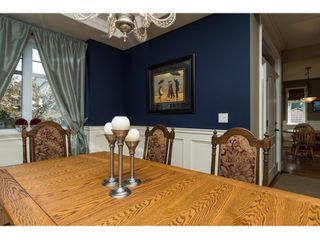 Photo 8: 16038 10A AVENUE in South Surrey White Rock: Home for sale : MLS®# R2055802