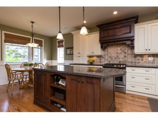 Photo 4: 16038 10A AVENUE in South Surrey White Rock: Home for sale : MLS®# R2055802