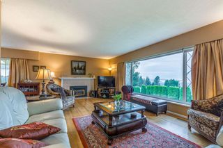 Photo 4: 3954 PROSPECT Road in North Vancouver: Upper Lonsdale House for sale : MLS®# R2220631