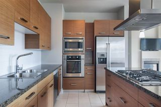 """Photo 5: 1903 2959 GLEN Drive in Coquitlam: North Coquitlam Condo for sale in """"PARC"""" : MLS®# R2239898"""