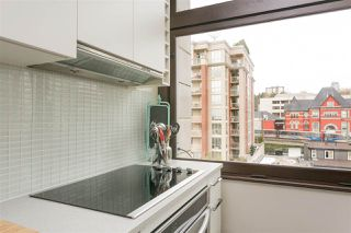 "Photo 11: 705 668 COLUMBIA Street in New Westminster: Quay Condo for sale in ""TRAPP & HOLBROOK"" : MLS®# R2244807"