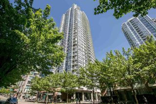 "Photo 1: 2903 928 BEATTY Street in Vancouver: Yaletown Condo for sale in ""MAX 1"" (Vancouver West)  : MLS®# R2294406"
